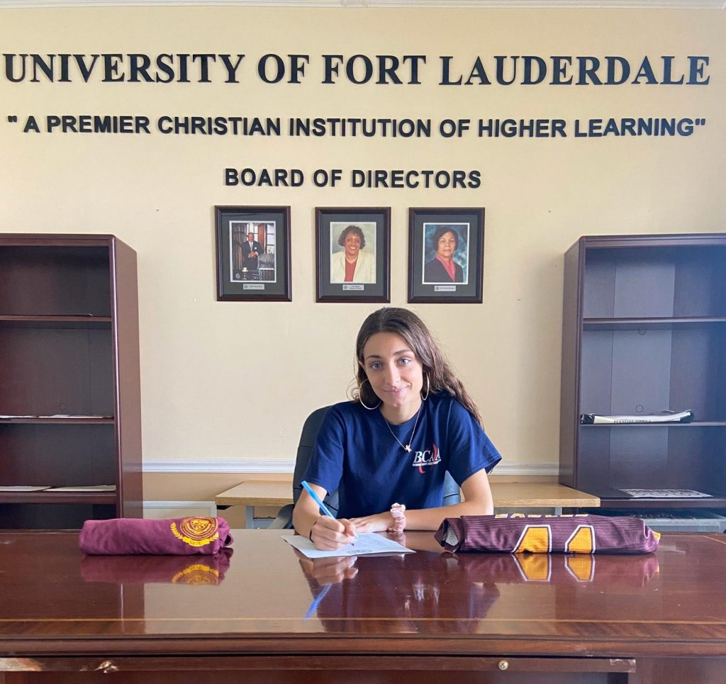 Barbara Fernandez signing for women's soccer